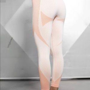 Gymshark Pants - BODY ENGINEERS LEGGINGS ORIGINAL AND NEW SIZE M